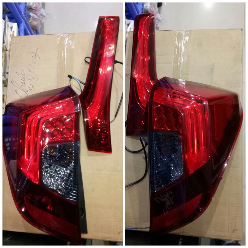AHD632-B7DE4 Stoplamp Honda Jazz GK5 2014-Onward LED/ LED Bar Red Smoke (Rev)