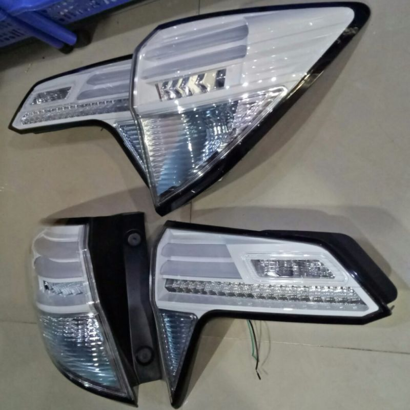 AHD663-B7WW4 Stoplamp Honda HRV 2015-Onward LED & LED Bar White Housing (Revs)