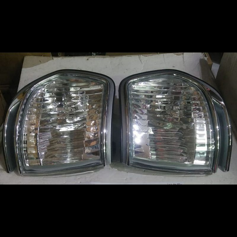 212-15A6PXA-VC Corner Lamp Landcruiser FJ82 Crystal Chrome (Revs)